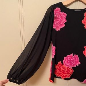 Vince Camuto Black Lace Sleeve Top with Flowers 🌺